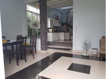 Bán căn nhà riêng kiệt đường Nguyễn Công Trứ, Tp Huế cao 2 tầng, hướng Tây, nở hậu khá đẹp