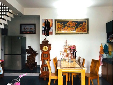 Bán căn nhà biệt thự liền kề kiệt đường Đăng Huy Trứ, Tp Huế hướng Đông Nam, xây dựng kiên cố 2 tầng đẹp