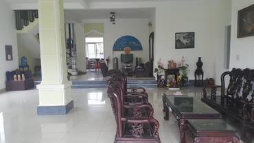 Bán căn nhà biệt thự liền kề KĐT mới Cầu Lim 1, đường Minh Mạng, Tp Huế có đến 3 mặt thoáng.