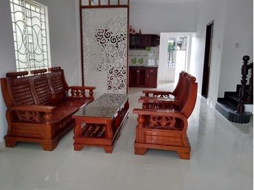 Cần bán căn nhà mặt phố đường Nguyễn Trực giao với đường Thành Gióng, Tp Huế, hướng Đông Bắc.