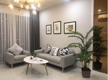 Cho thuê căn hộ Saigon Royal 2 phòng ngủ, full đồ nội thất đẹp, bao toàn bộ phí, view sông Sài Gòn