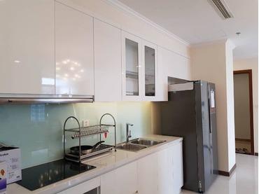 Cần gấp: Cho thuê căn hộ Vinhomes Central Park 3 phòng ngủ (3pn), tòa Landmark Plus tầng cao, đẹp.
