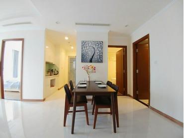 Bán căn hộ Vinhomes Central Park 3 phòng ngủ (3pn), tòa Landmark 3 full nội thất đẹp, giá rẻ nhất thị trường.