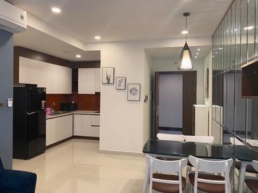 Cho thuê căn hộ Saigon Royal 2 phòng ngủ (2pn), tại 34 Bến Vân Đồn của CĐT NovaLand full đồ đẹp